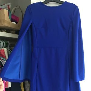 Blue bell sleeve dress! Size Small. 💙